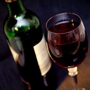 Quel vin choisir pour une soirée romantique?